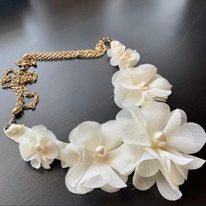 Jewelry - Cute Silk Flower Necklace